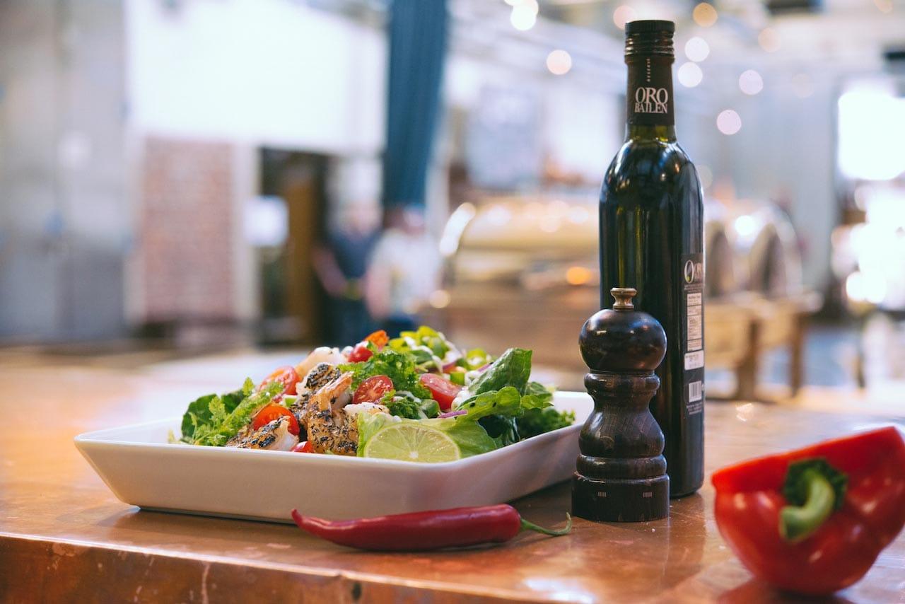 Kellohallin raikas salaattilounas